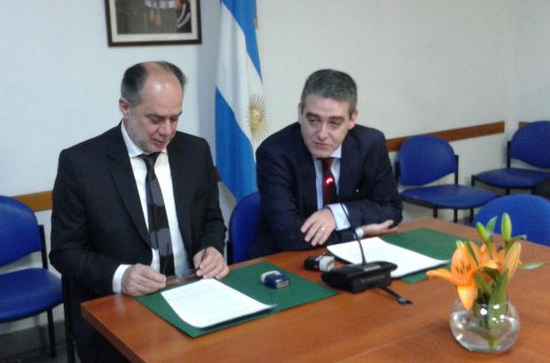 Convenio de Colaboración entre FLACSO y la Comisión Bicameral Ley 26.984