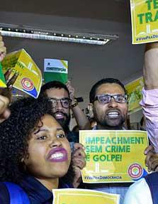 By Senado Federal (Manifestação) [CC BY 2.0 (http://creativecommons.org/licenses/by/2.0)], via Wikimedia Commons